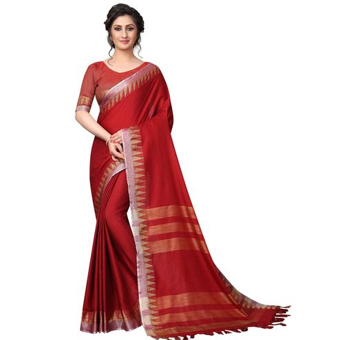 Demanding Red Colored Casual Wear Cotton Linen Saree