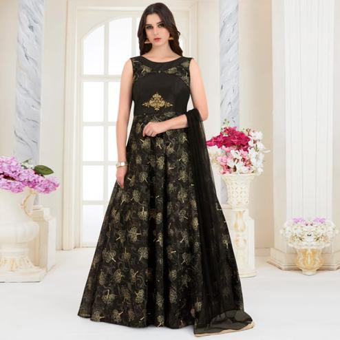 Fantastic Black Colored Parytwear Embroidered Modal Gown