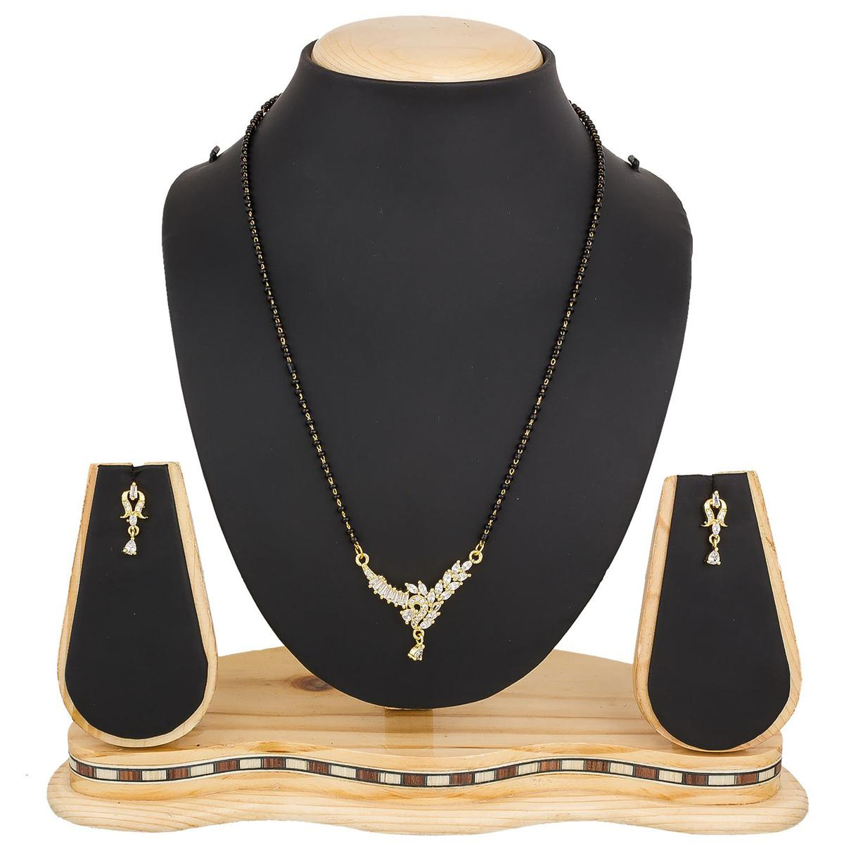 Gleaming Golden Colored Diamond Work Mix Metal Mangalsutra