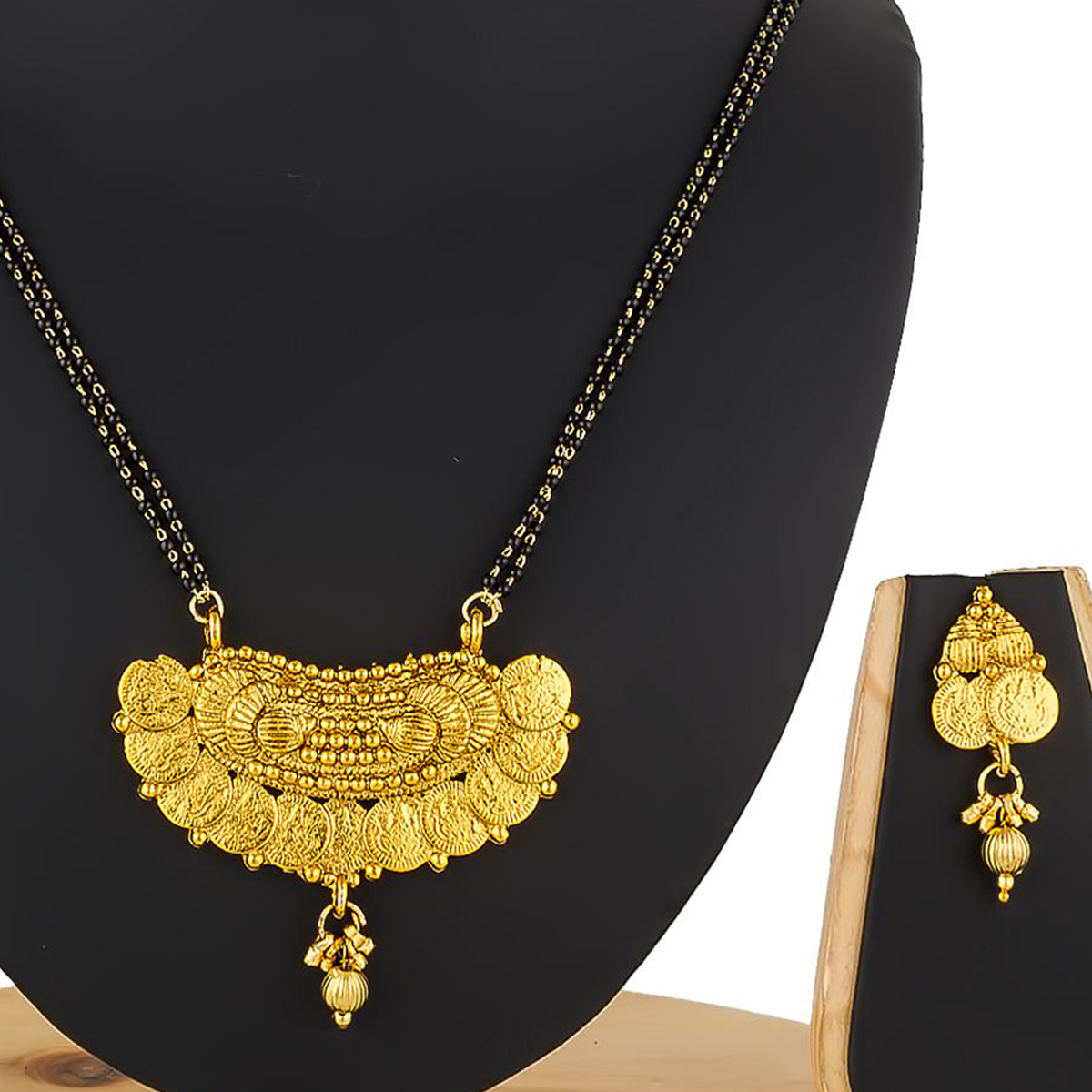 Refreshing Golden Colored Stone Work Mix Metal Mangalsutra