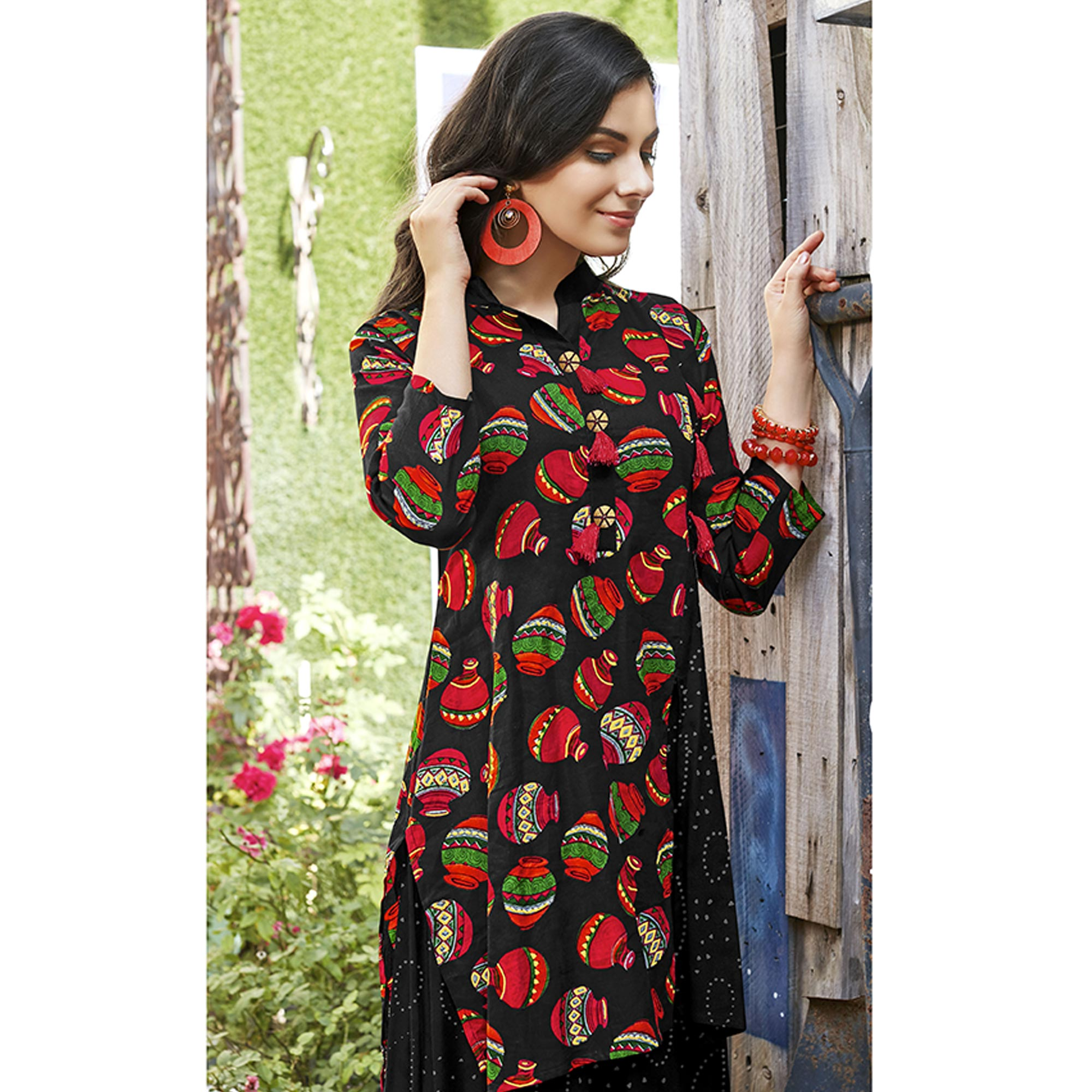 Eye-catching Black Color Casual Printed Rayon Kurti
