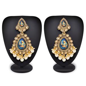 Flaunt Golden Colored Mix Metal Stone Work Earrings