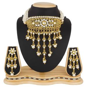Arresting Golden Colored Stone Work Mix Metal Necklace Set