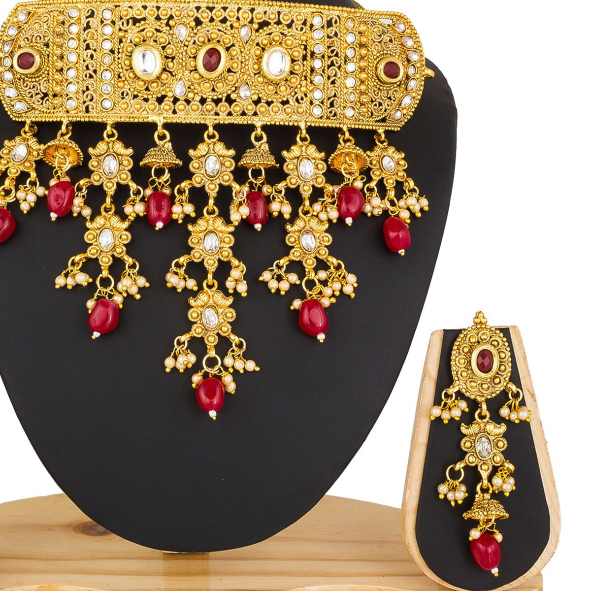 Ravishing Golden Colored Stone Work Mix Metal Necklace Set