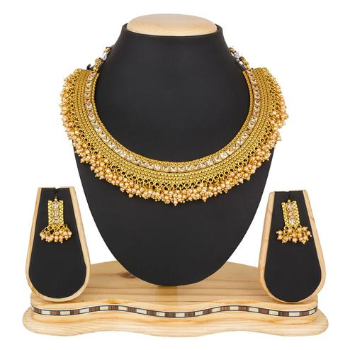 Magnetic Golden Colored Moti & Stone Work Mix Metal Necklace Set