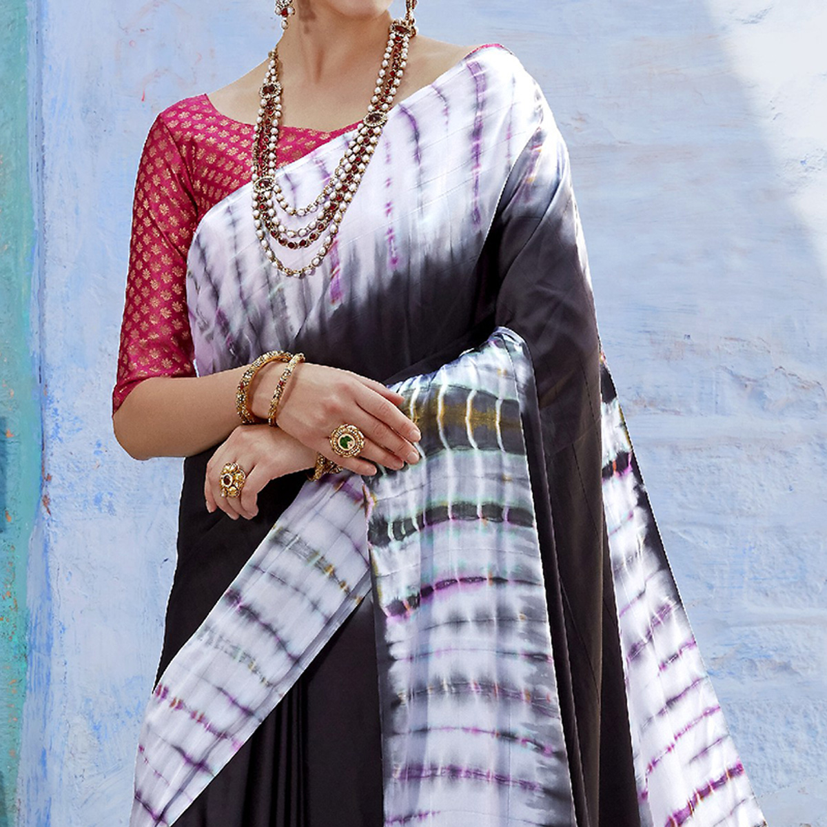 Exceptional Black-White Colored Partywear Printed Nylon Silk Saree