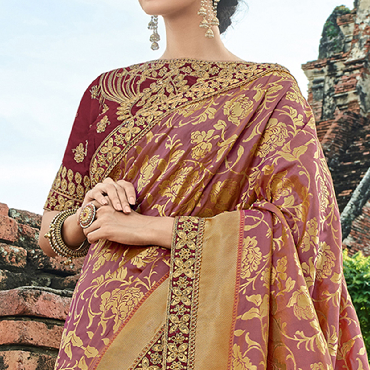 Imposing Light Purple Colored Festive Wear Woven Banarasi Silk Saree