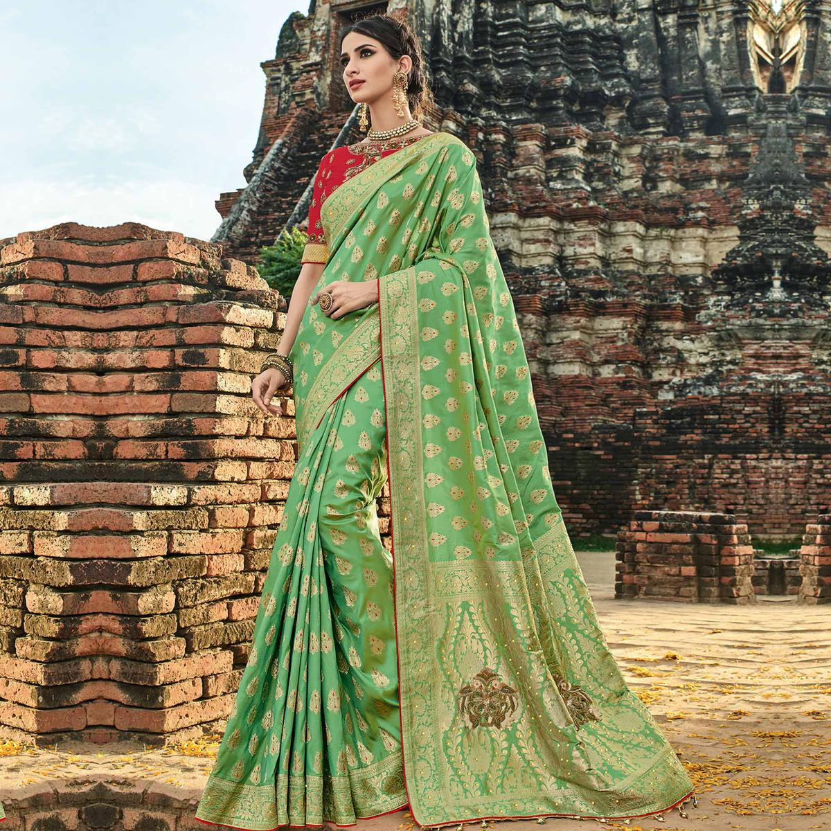 Engrossing Green Colored Festive Wear Woven Banarasi Silk Saree