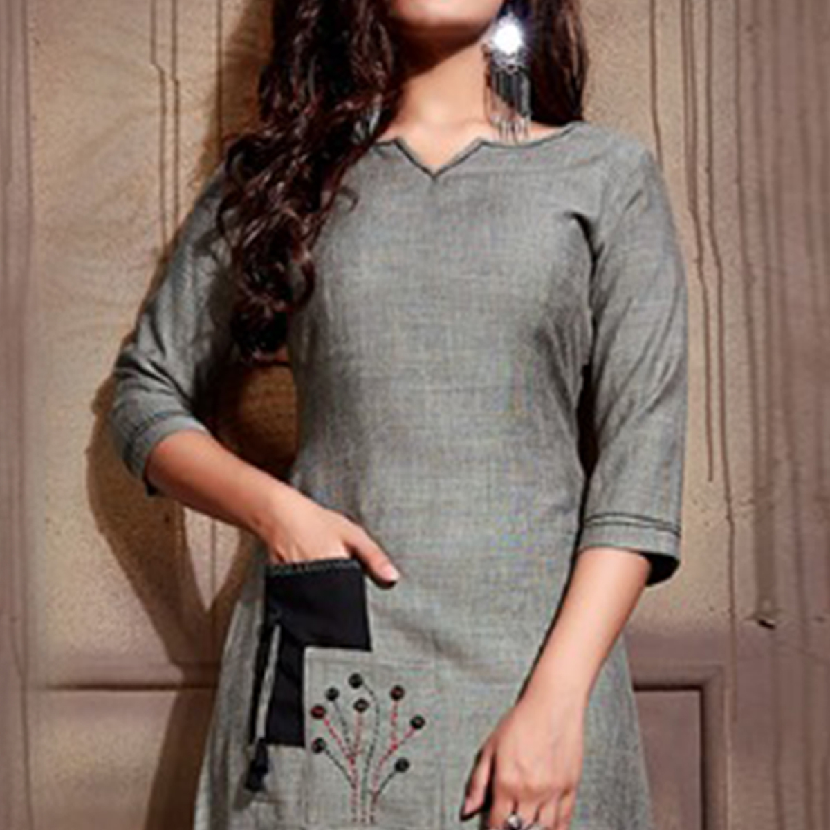 Classy Gray Colored Partywear Heavy Rayon Fancy Kurti