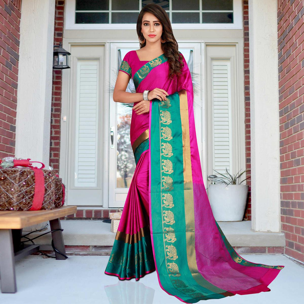 Groovy Magenta Colored Festive Wear Printed Cotton Saree