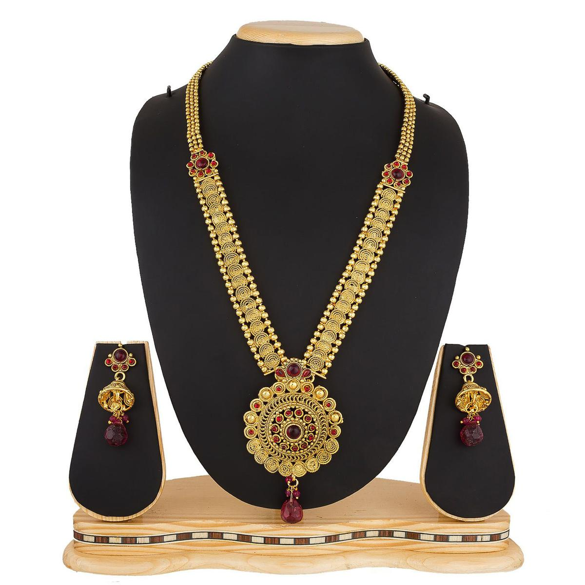 Glorious Golden Colored Stone Work Mix Metal Necklace Set