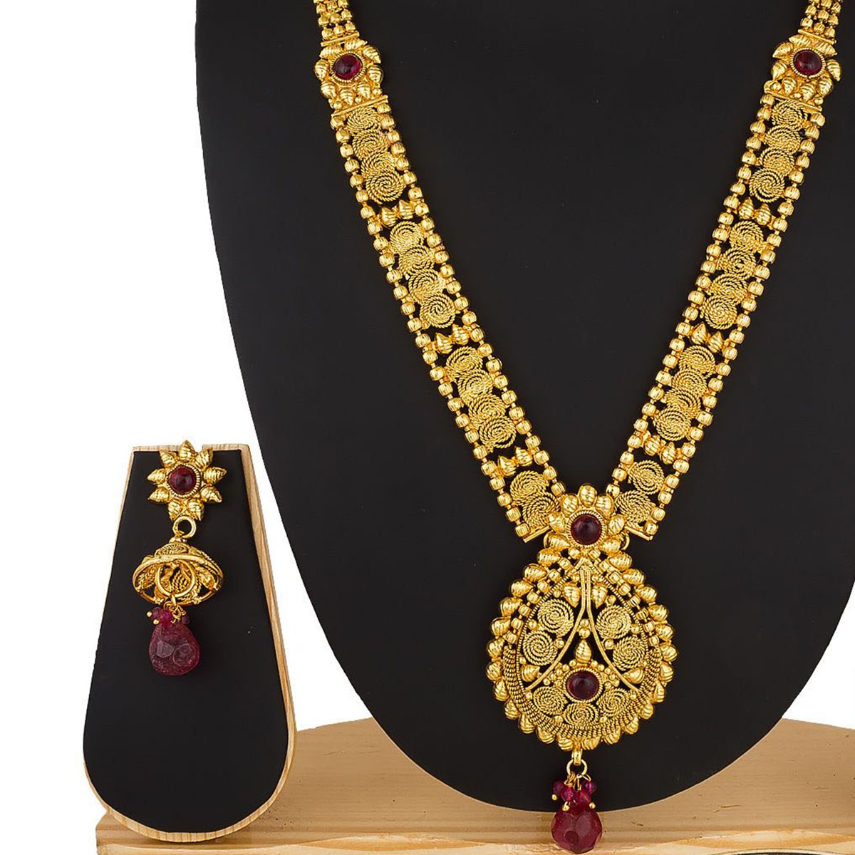 Charming Golden Colored Stone Work Mix Metal Necklace Set
