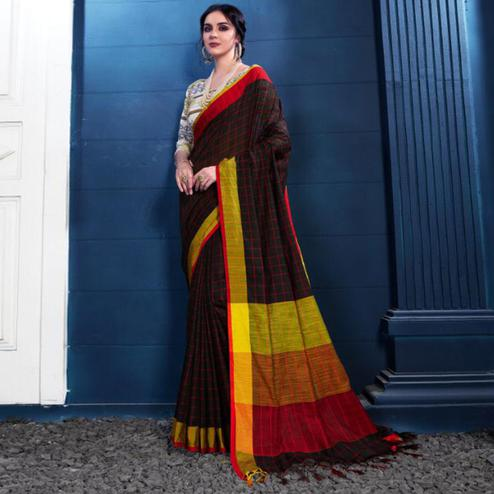 Eye-Catching Black Colored Partywear Printed Linen Silk Saree