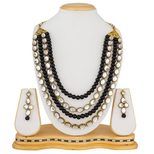 Refreshing Black Colored Pearl Work Mix Metal Necklace Set