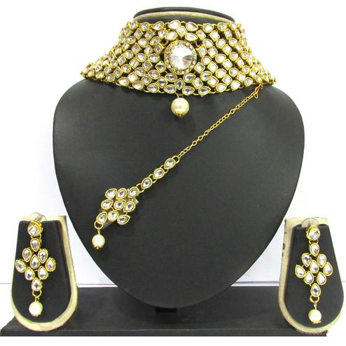 White Colored Kundan Choker Necklace Set
