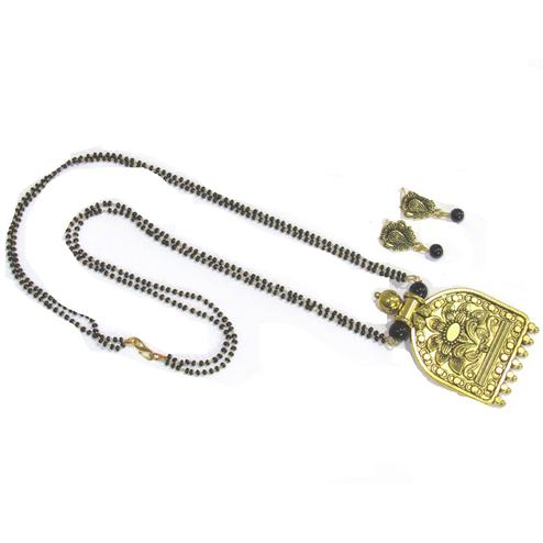 Black-Golden Colored Temple Antique Pendant Mangalsutra Set
