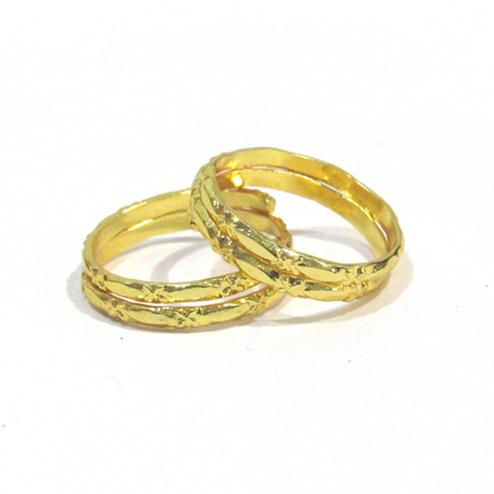 Golden Colored 2 Round Toe Rings Set Of 2