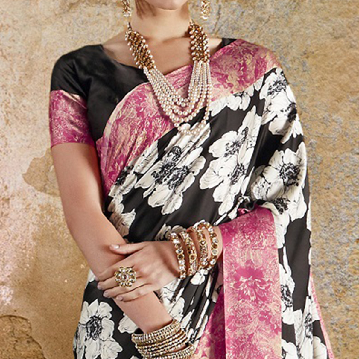 Ethnic Black - Pink Colored Casual Wear Printed Crepe Saree