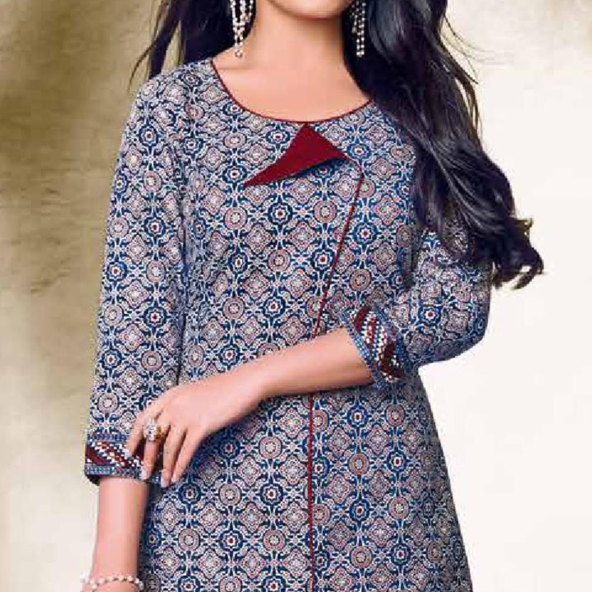 Pretty Light Grey Colored Casual Wear Printed Cotton Dress Material