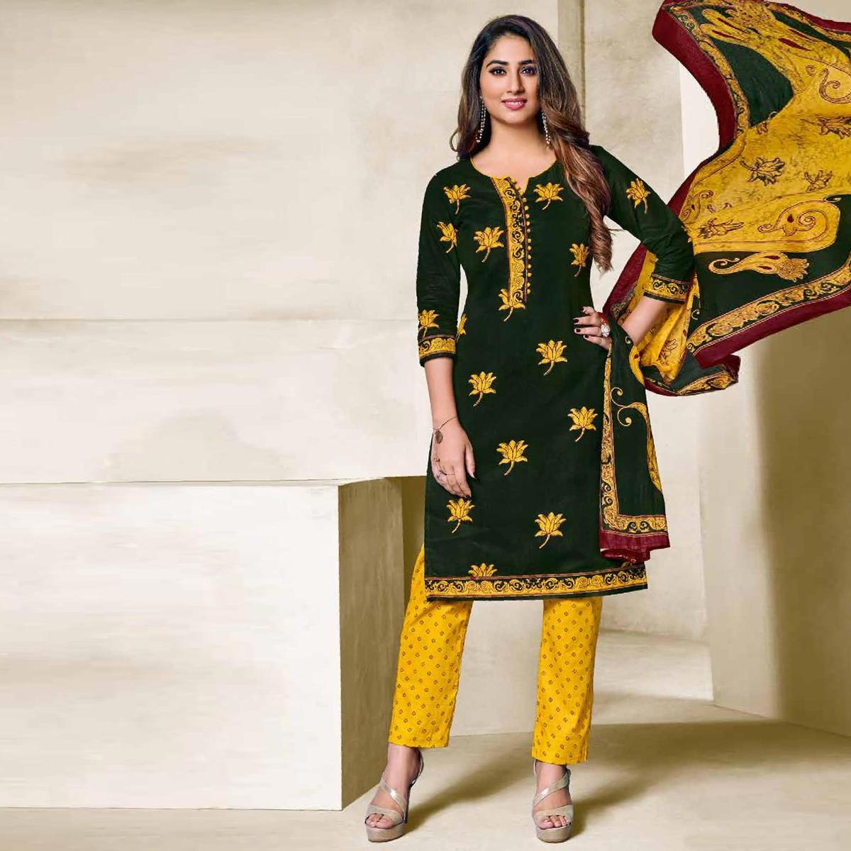 Starring Dark Green Colored Casual Wear Printed Cotton Dress Material
