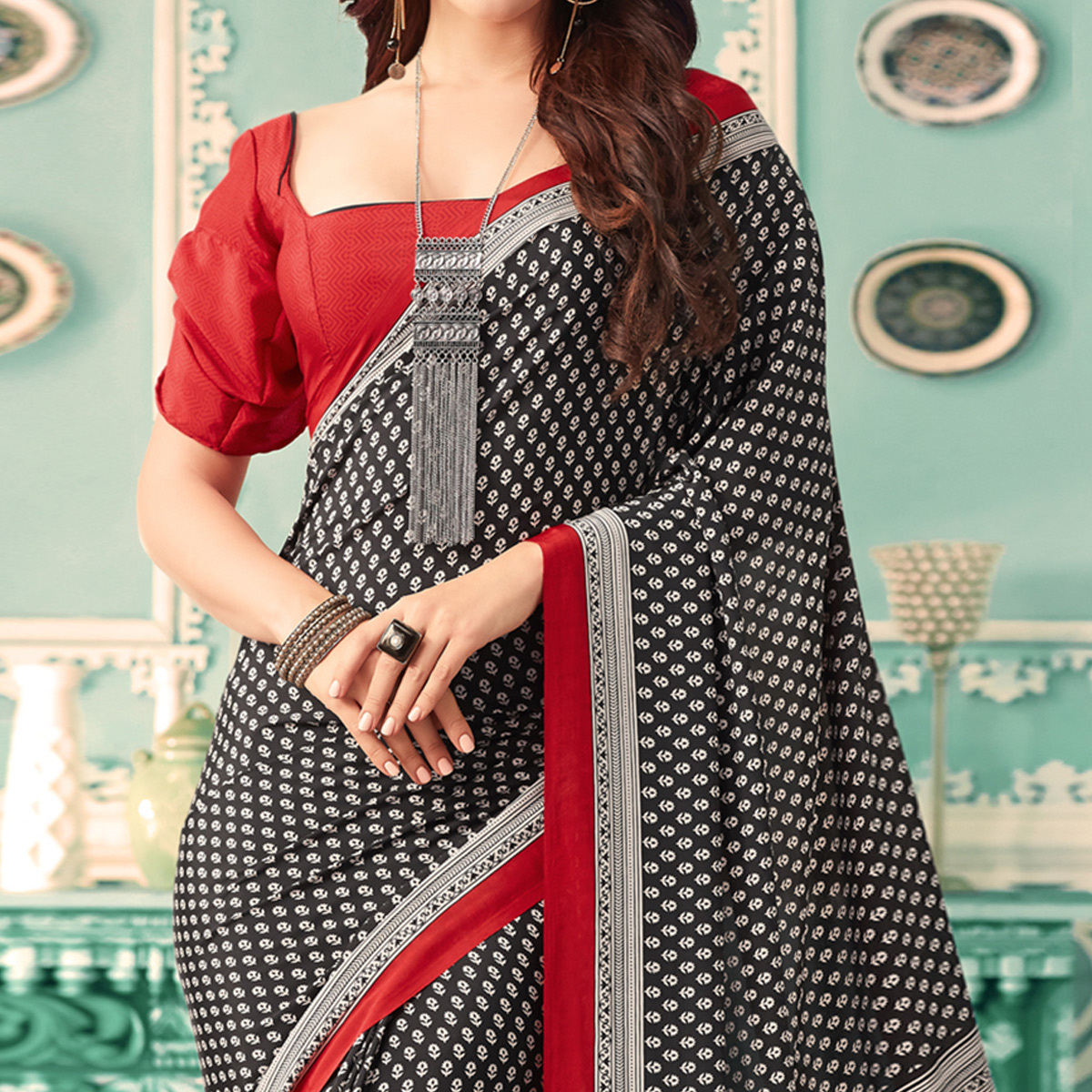 Pretty Black Colored Casual Printed Crepe Saree