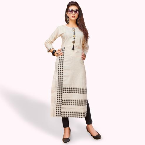 Appealing Off White Colored Casual Printed Khadi Cotton Kurti