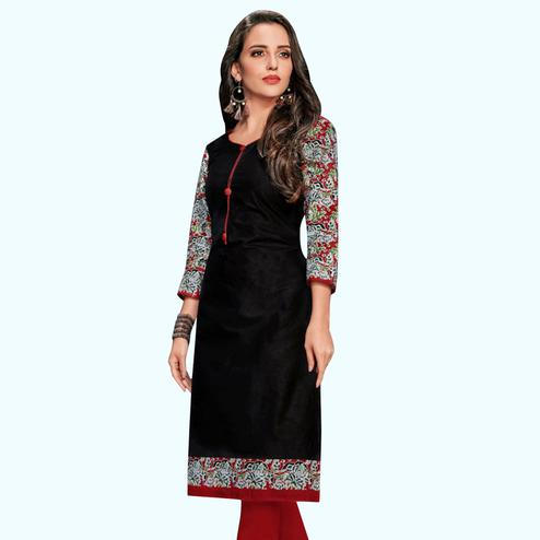 Arresting Black Colored Casual Wear Printed Jetpur Cotton Kurti