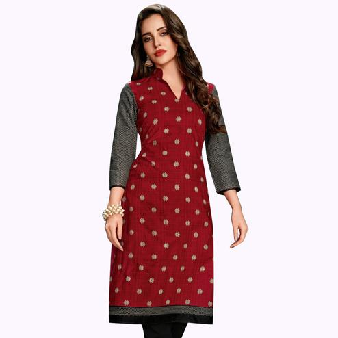 Pleasant Red Colored Casual Wear Printed Jetpur Cotton Kurti