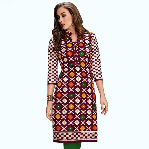 Mesmeric Wine Colored Casual Wear Printed Jetpur Cotton Kurti