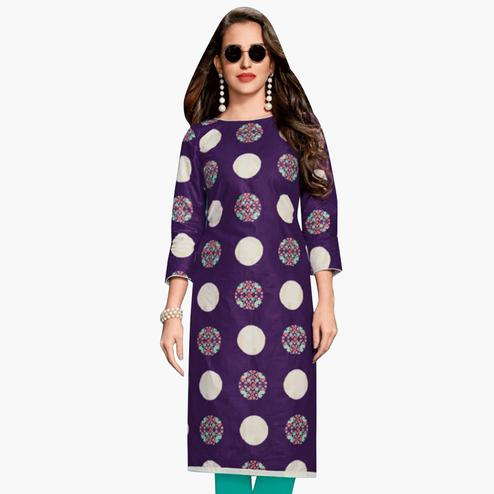 Refreshing Purple Colored Casual Wear Printed Jetpur Cotton Kurti
