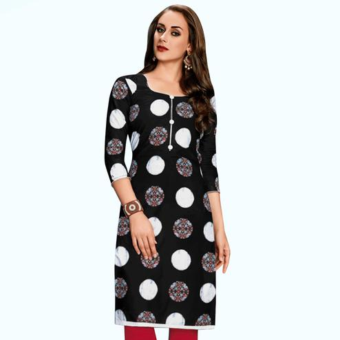 Magnetic Black Colored Casual Wear Printed Jetpur Cotton Kurti