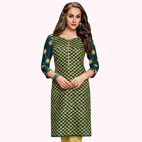 Hypnotic Green Colored Casual Wear Printed Jetpur Cotton Kurti