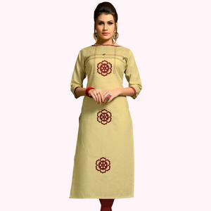 Blooming Beige Colored Casual Wear Printed Cotton Kurti