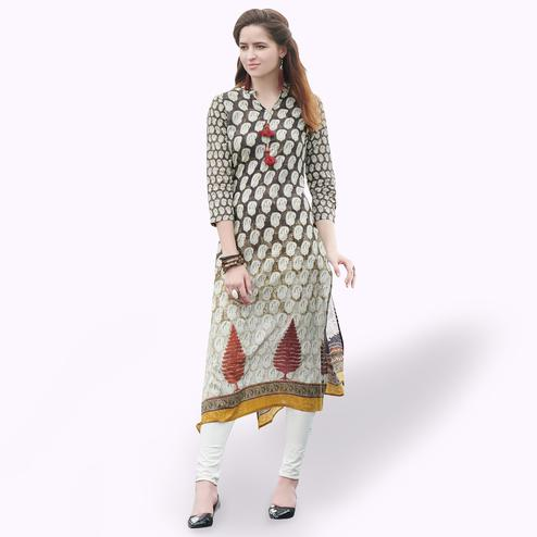 Mesmerising Black-Off White Colored Casual Printed Rayon Kurti