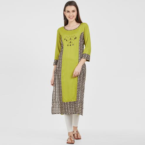Gleaming Green Colored Casual Wear Printed Rayon Kurti