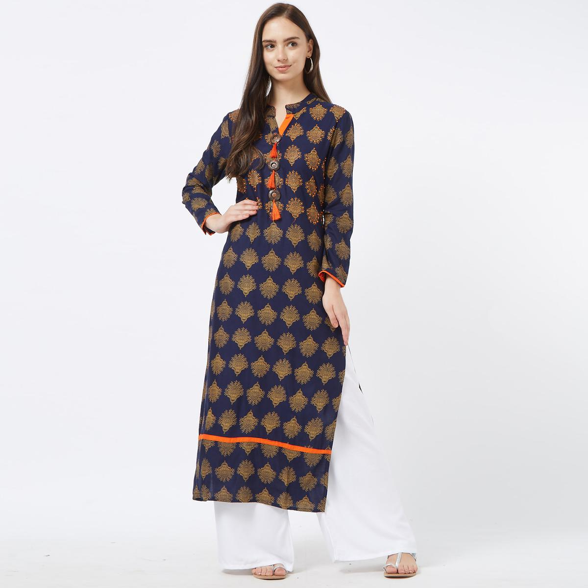 Alluring Navy Blue Colored Casual Wear Printed Cotton Kurti