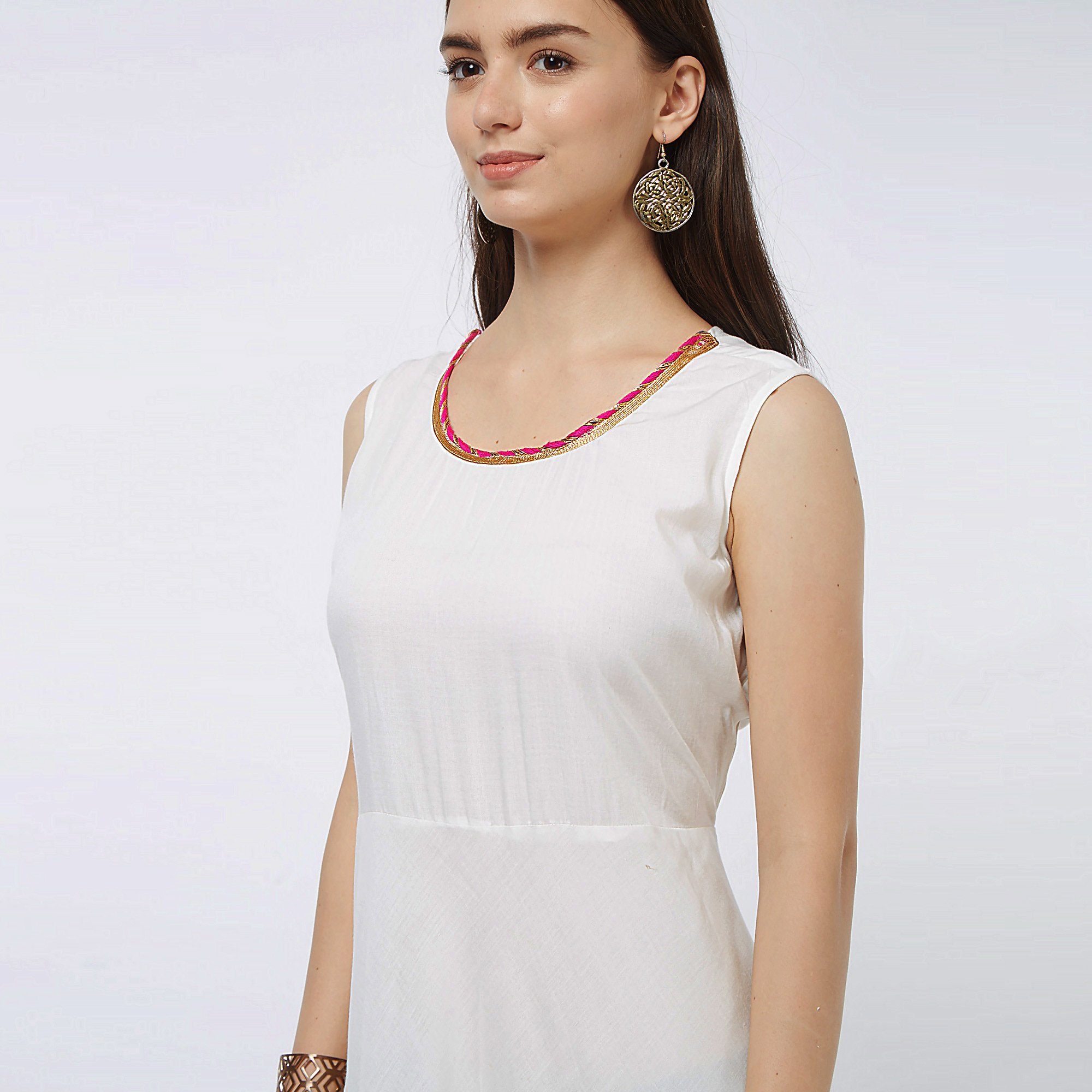 Flamboyant White Colored Partywear Printed Cotton Long Kurti With Jacket