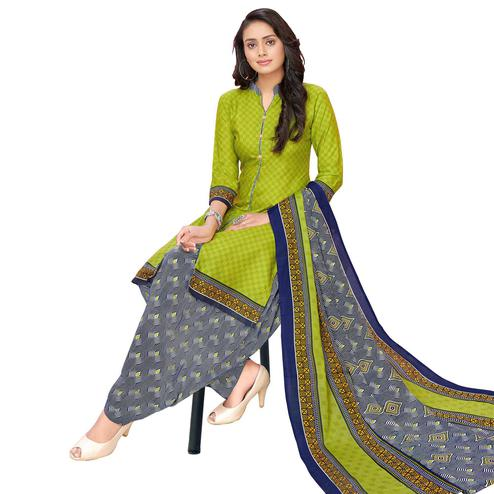 Beautiful Green Colored Casual Printed Cotton Dress Material