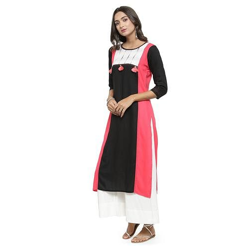 Imposing Black - Pink Colored Casual Wear Printed Rayon Kurti