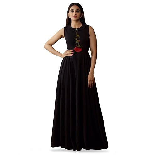 Adorning Black Colored Partywear Printed Rayon Kurti