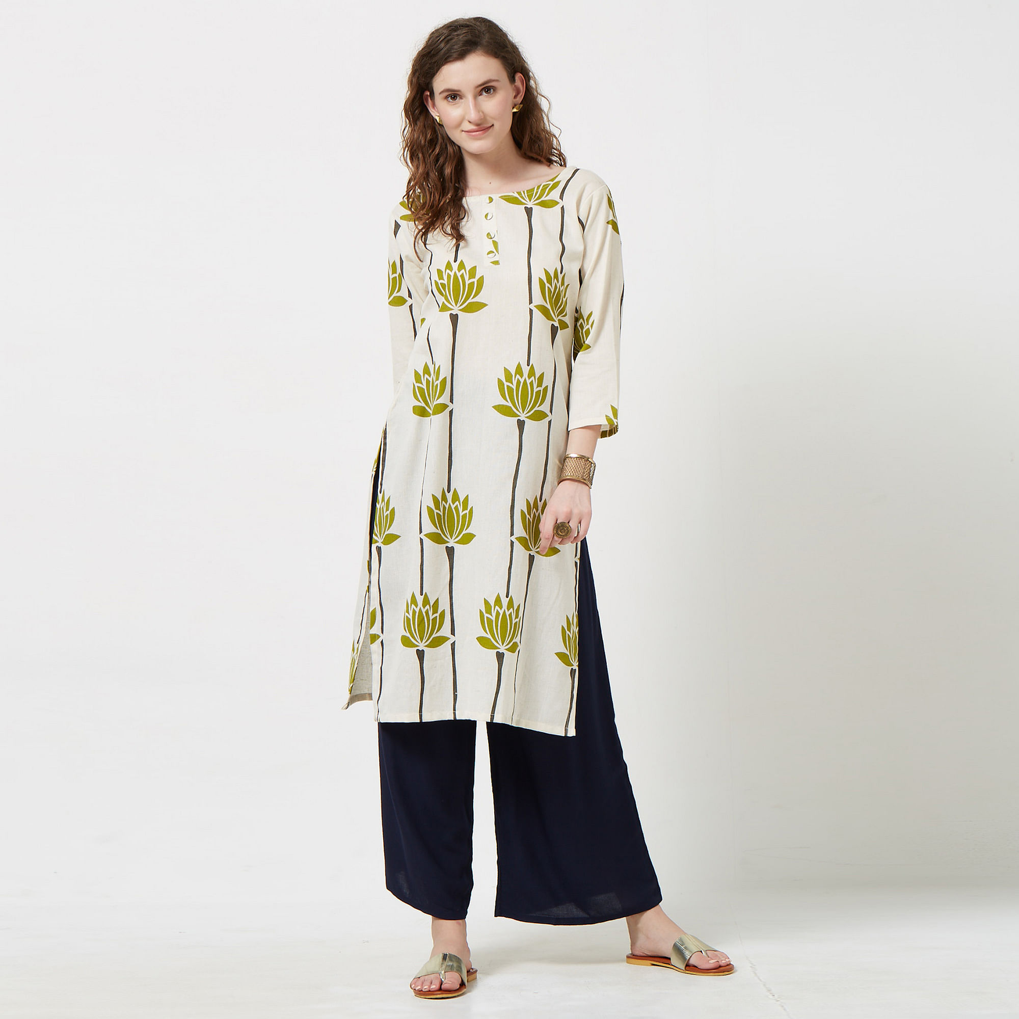 Attractive Off White Colored Casual Printed Cotton Kurti