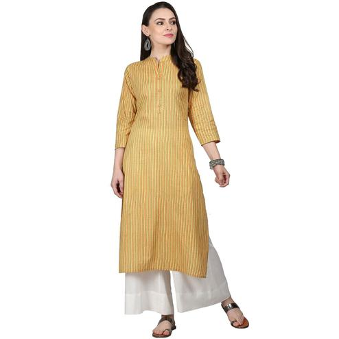 Intricate Yellow Colored Casual Wear Cotton Kurti