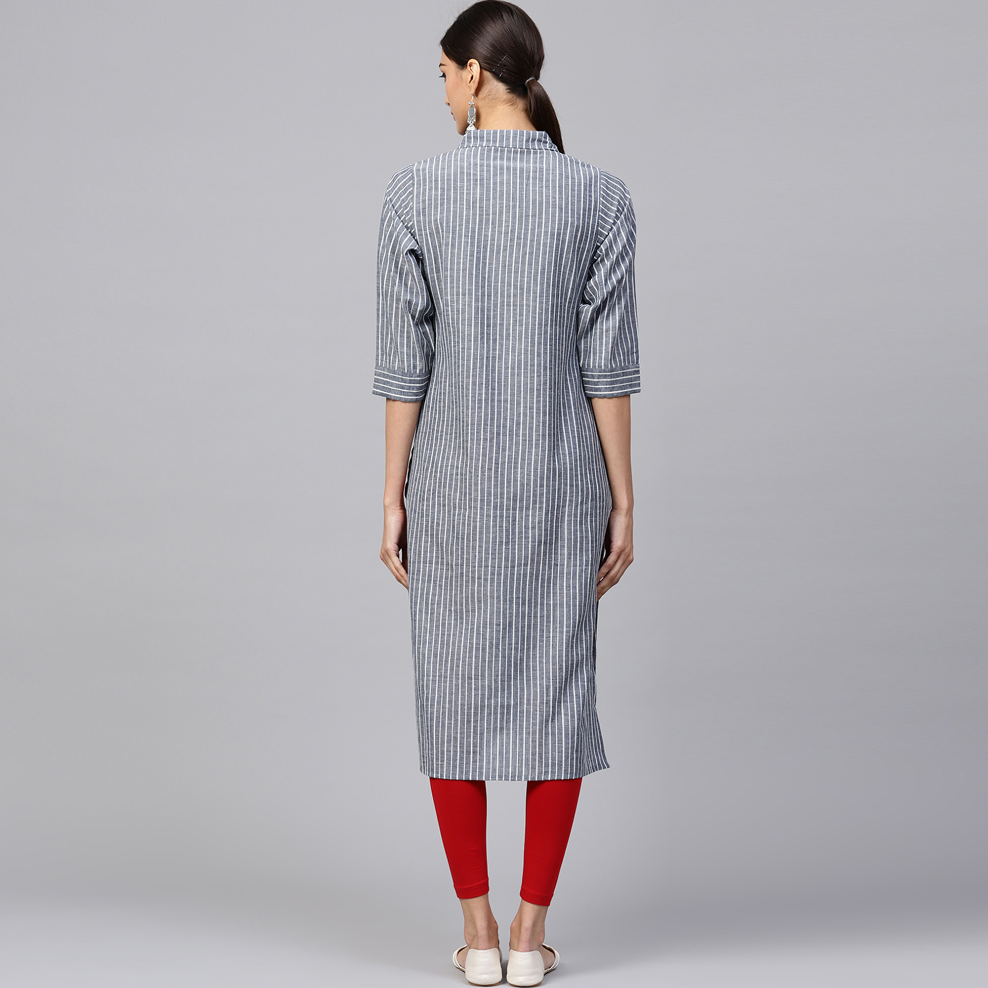 Engrossing Gray Colored Casual Wear Cotton Kurti