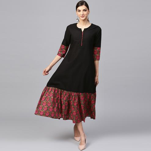 Mesmerising Black Colored Casual Printed Cotton Kurti