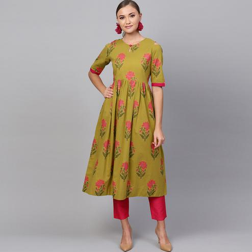 Breathtaking Mehendi Green Colored Casual Printed Cotton Kurti