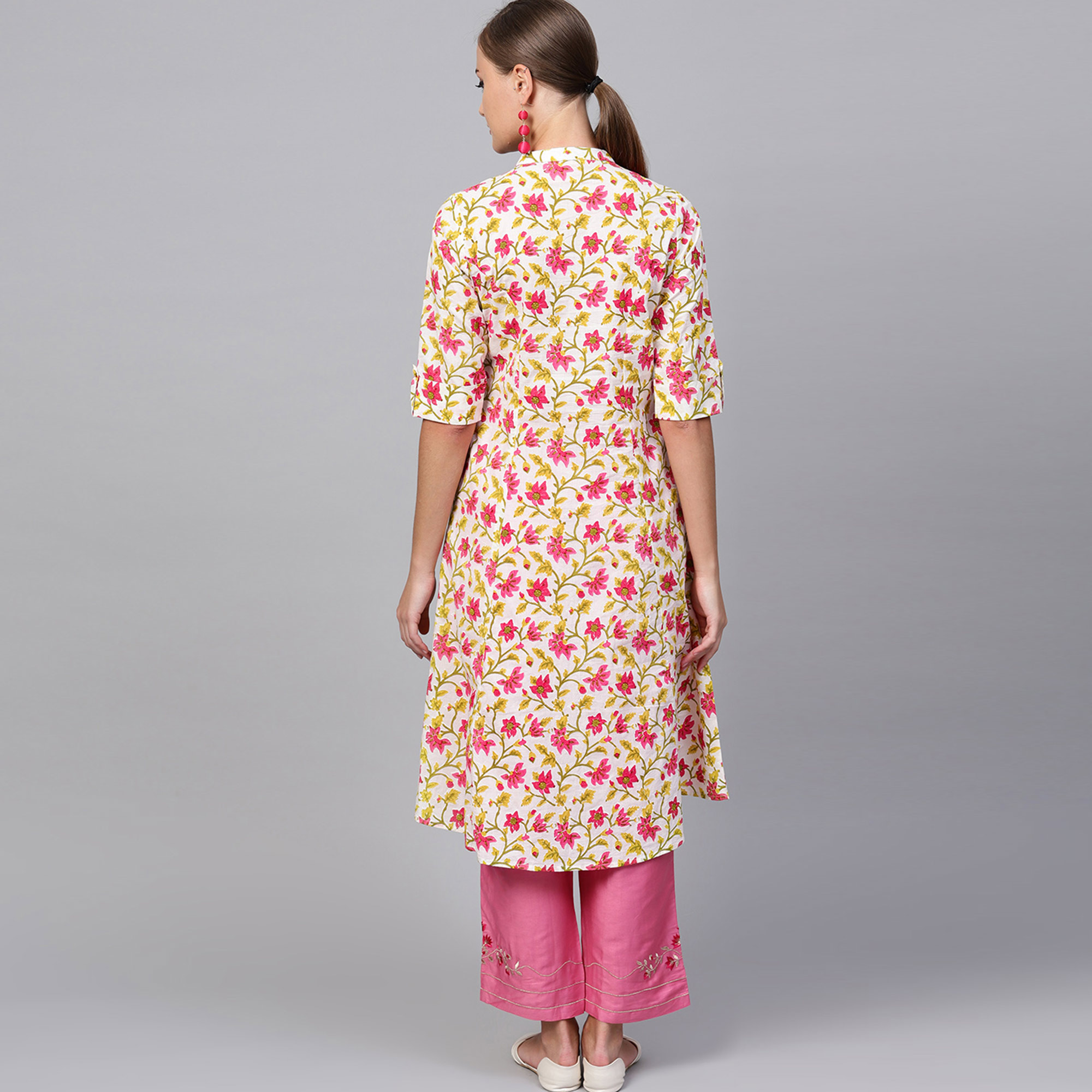 Surpassing White-Pink Colored Casual Printed Cotton Kurti