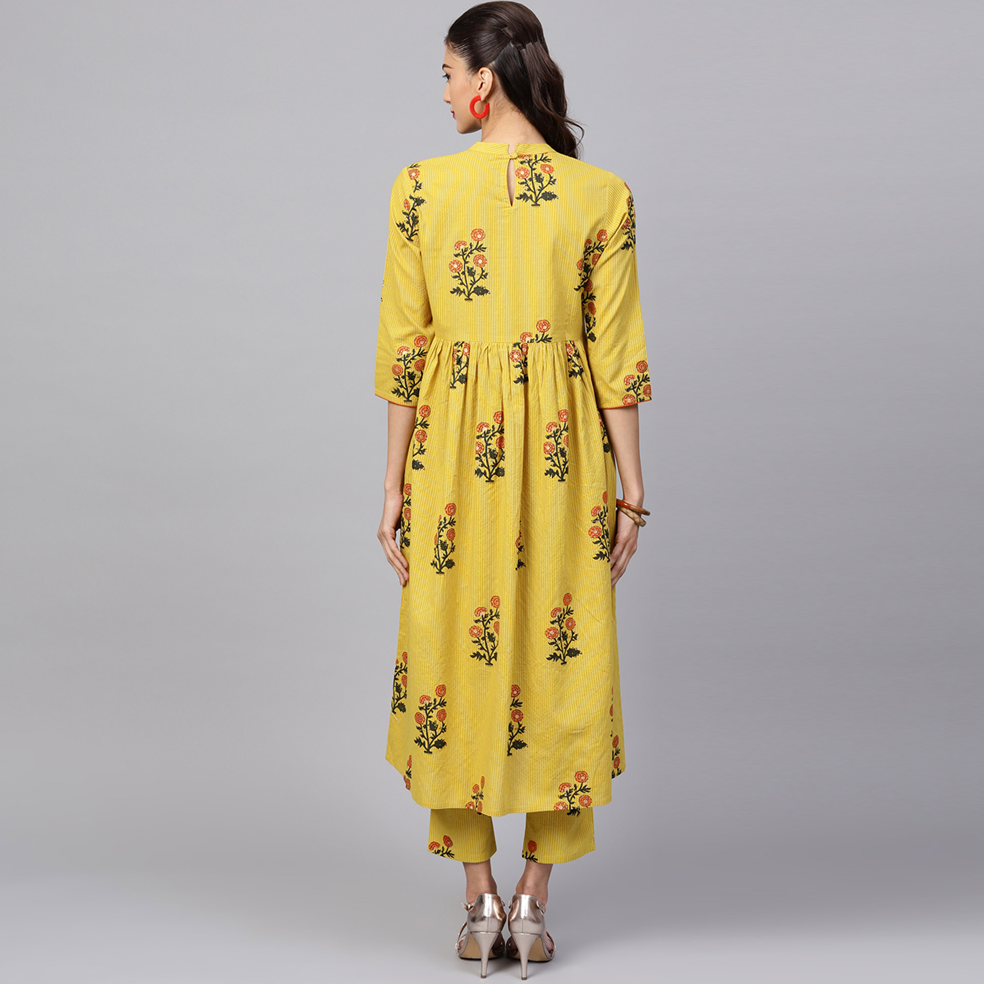Sophisticated Yellow Colored Casual Printed Cotton Kurti