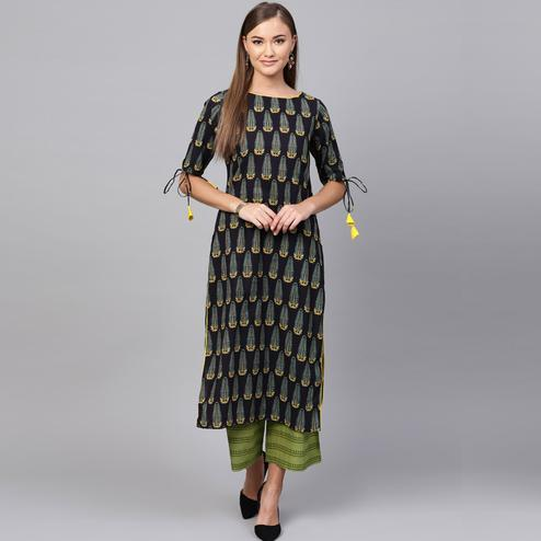 Pretty Navy Blue Colored Casual Printed Cotton Kurti