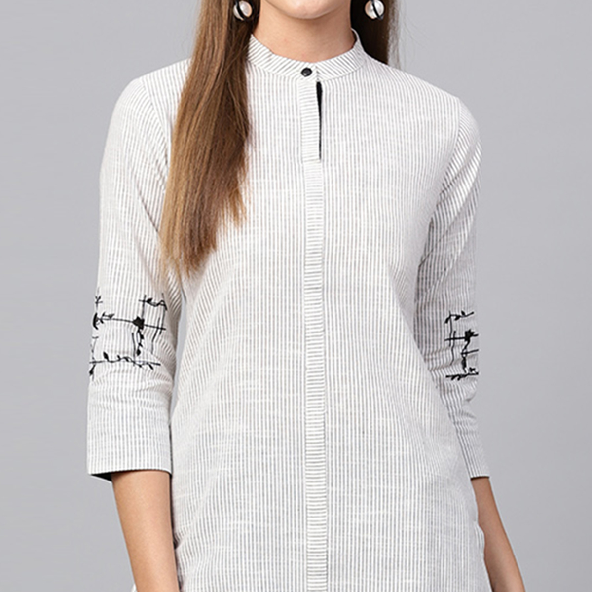 Blooming White Colored Casual Printed Cotton Kurti