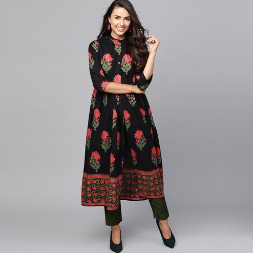 Gorgeous Black-Red Colored Casual Printed Cotton Kurti